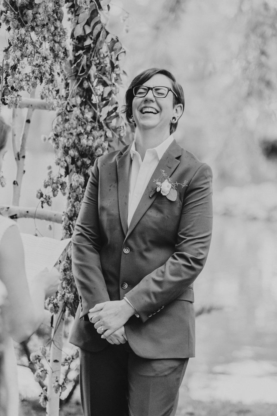 funny-moment-at-arizona-wedding