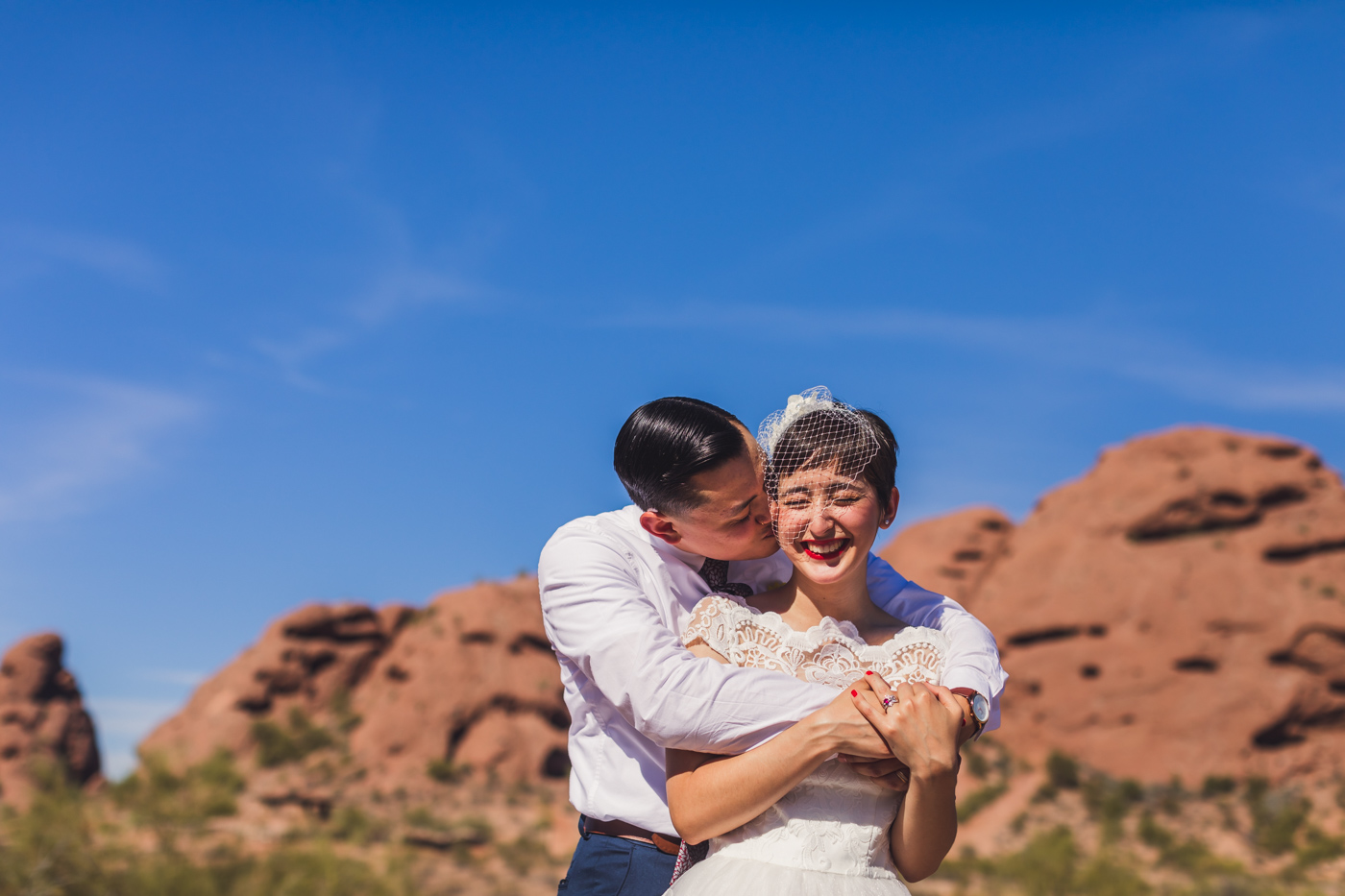 papago-park-wedding-session-cuddles