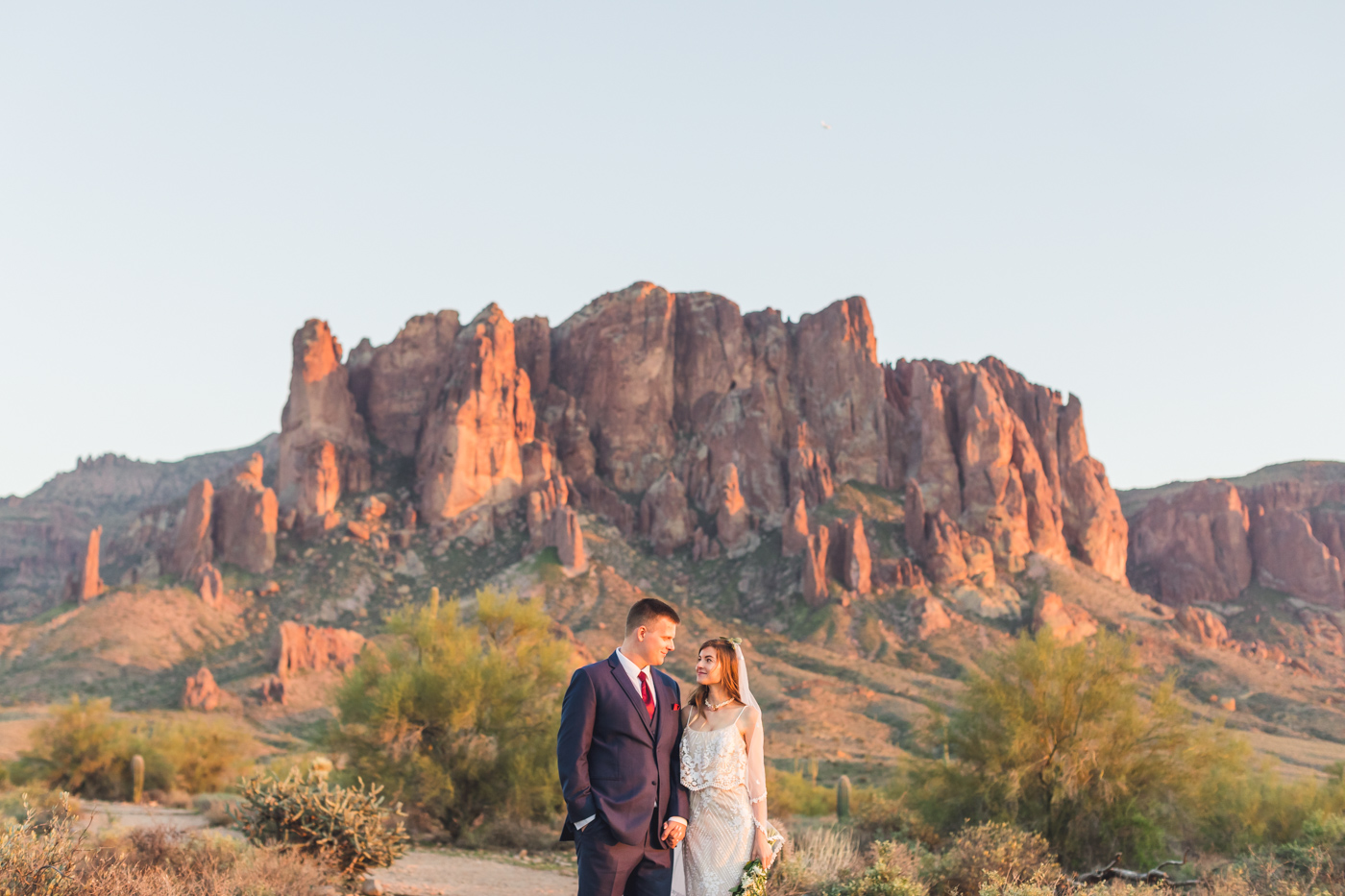 sunset-at-superstition-mountains-wedding