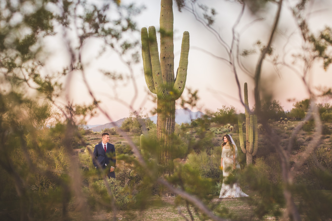 aaron-kes-photography-lost-dutchman-state-park-wedding-portrait