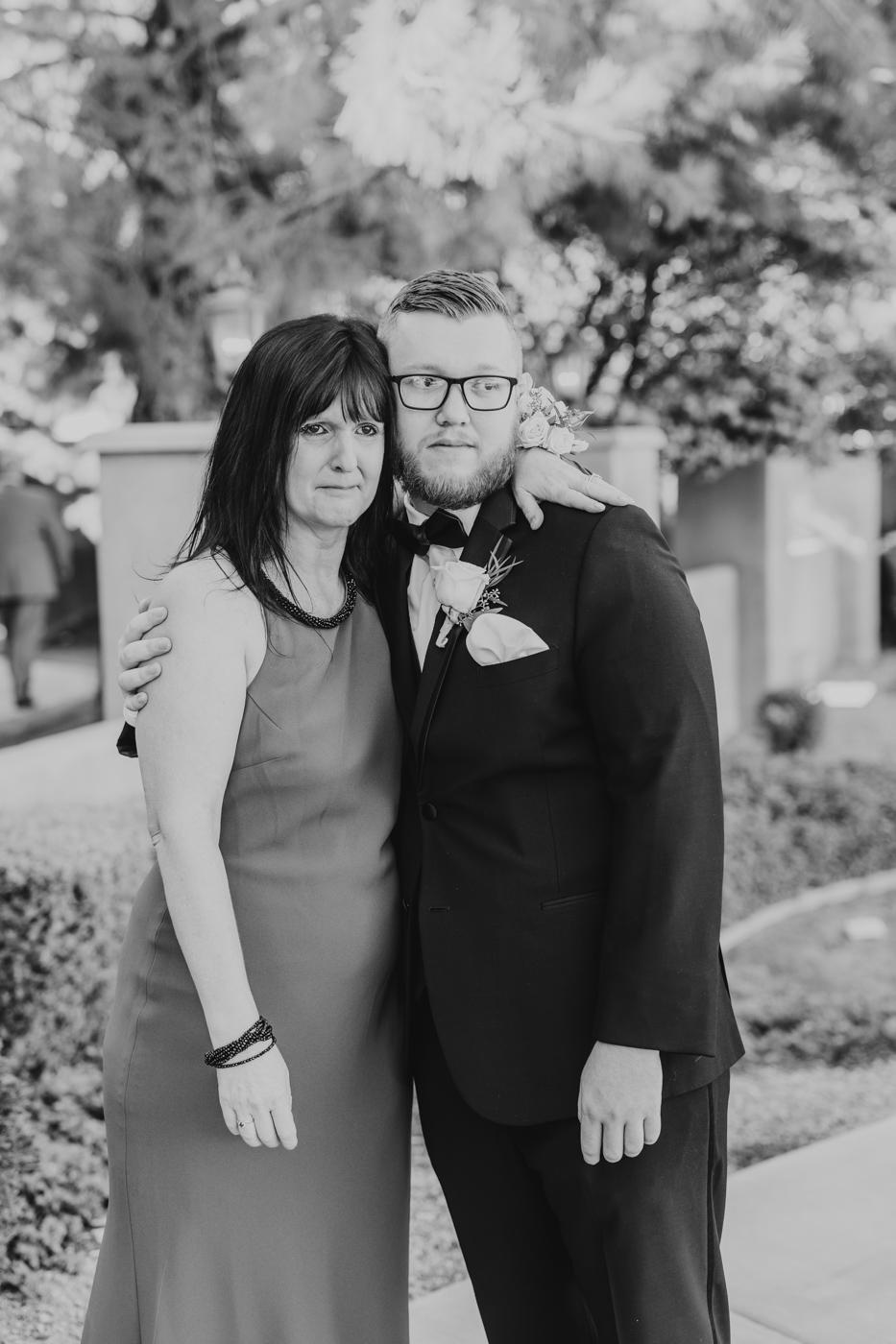 groom-and-mom