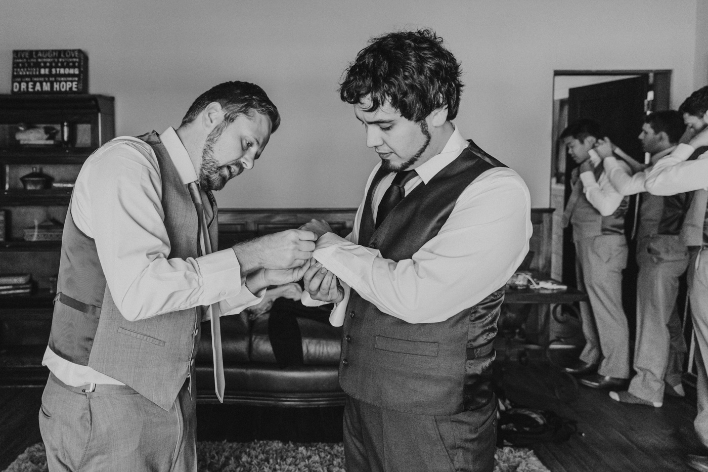groom-and-groomsmen-getting-ready