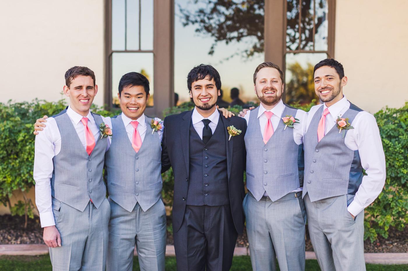 groom-and-grooomsmen