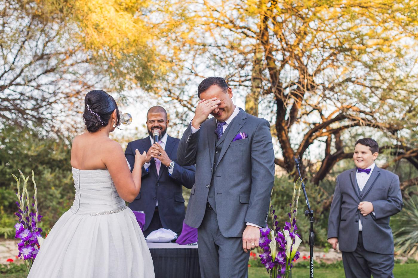 hilarious-wedding-ceremony-photo