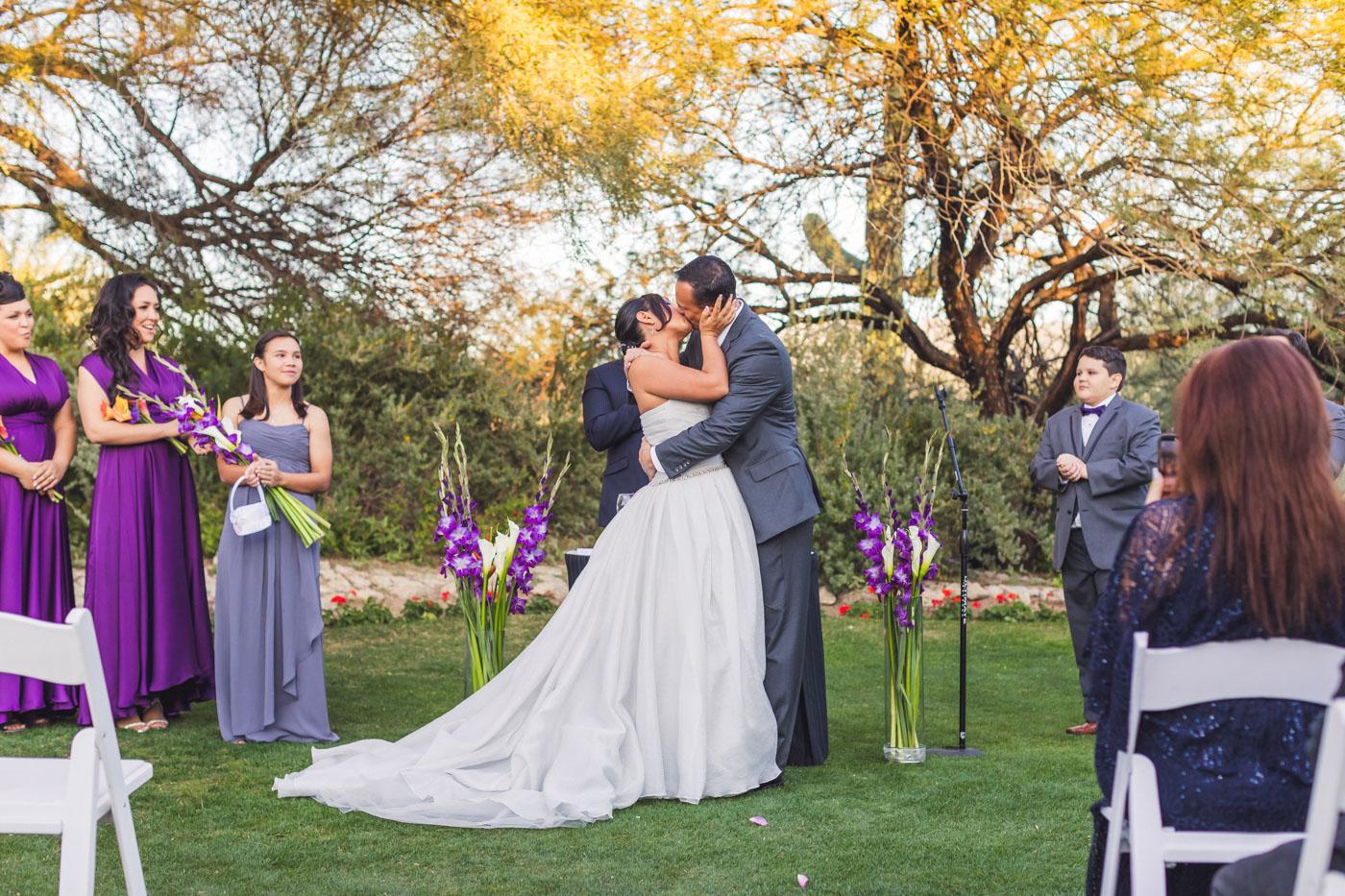 grayhawk-golf-club-wedding-first-kiss