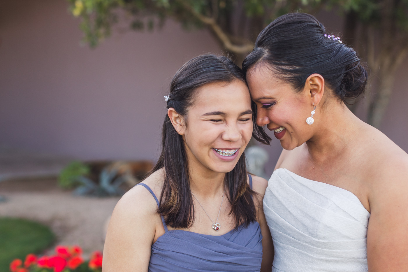 bride-and-daughter-sharing-moment