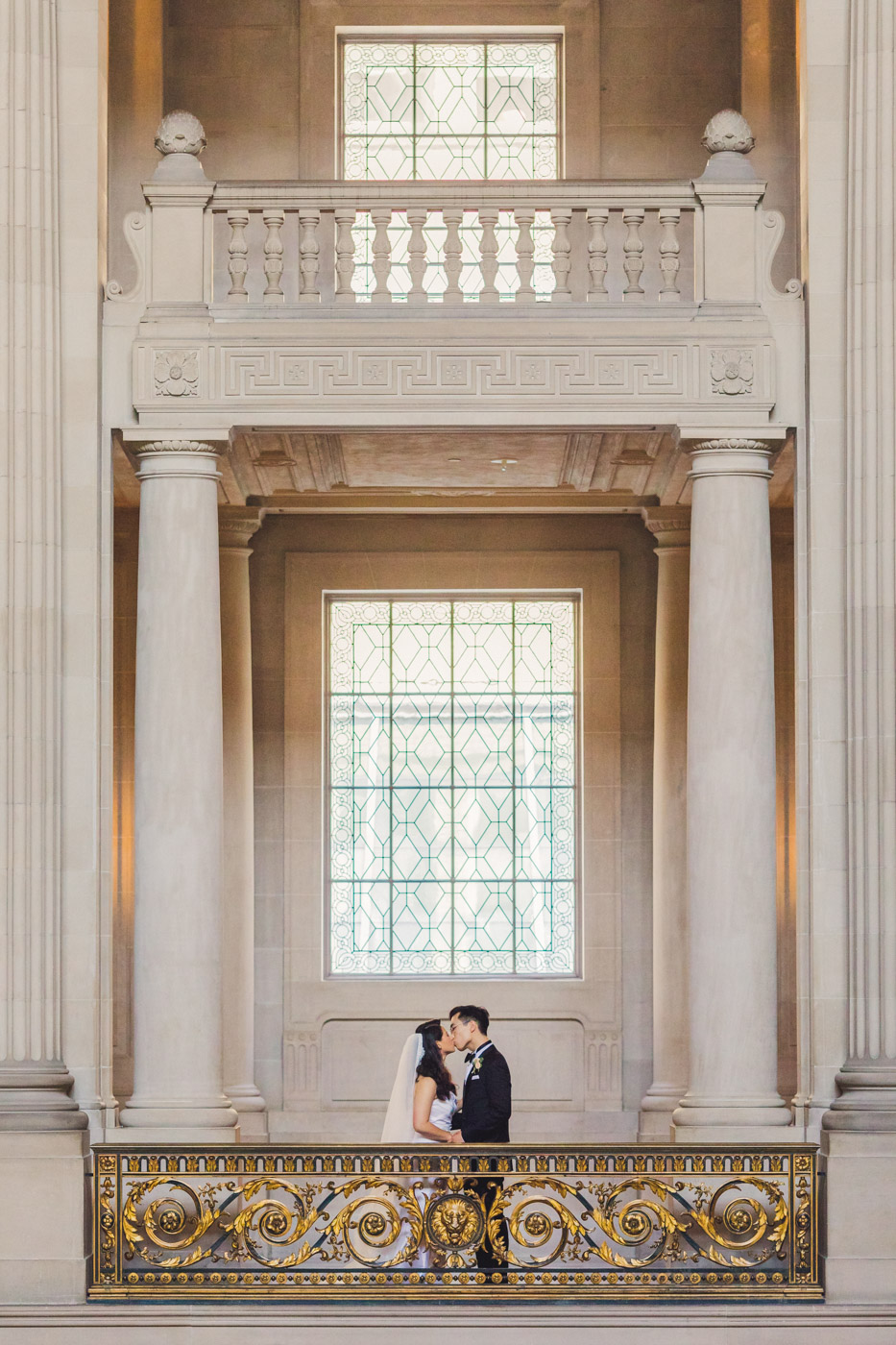 san-francisco-city-hall-wedding-portrait
