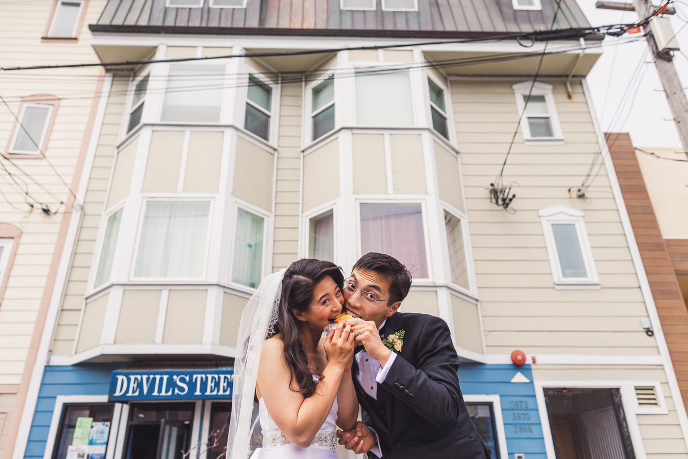 bride-and-groom-outer-sunset-san-francisco-wedding