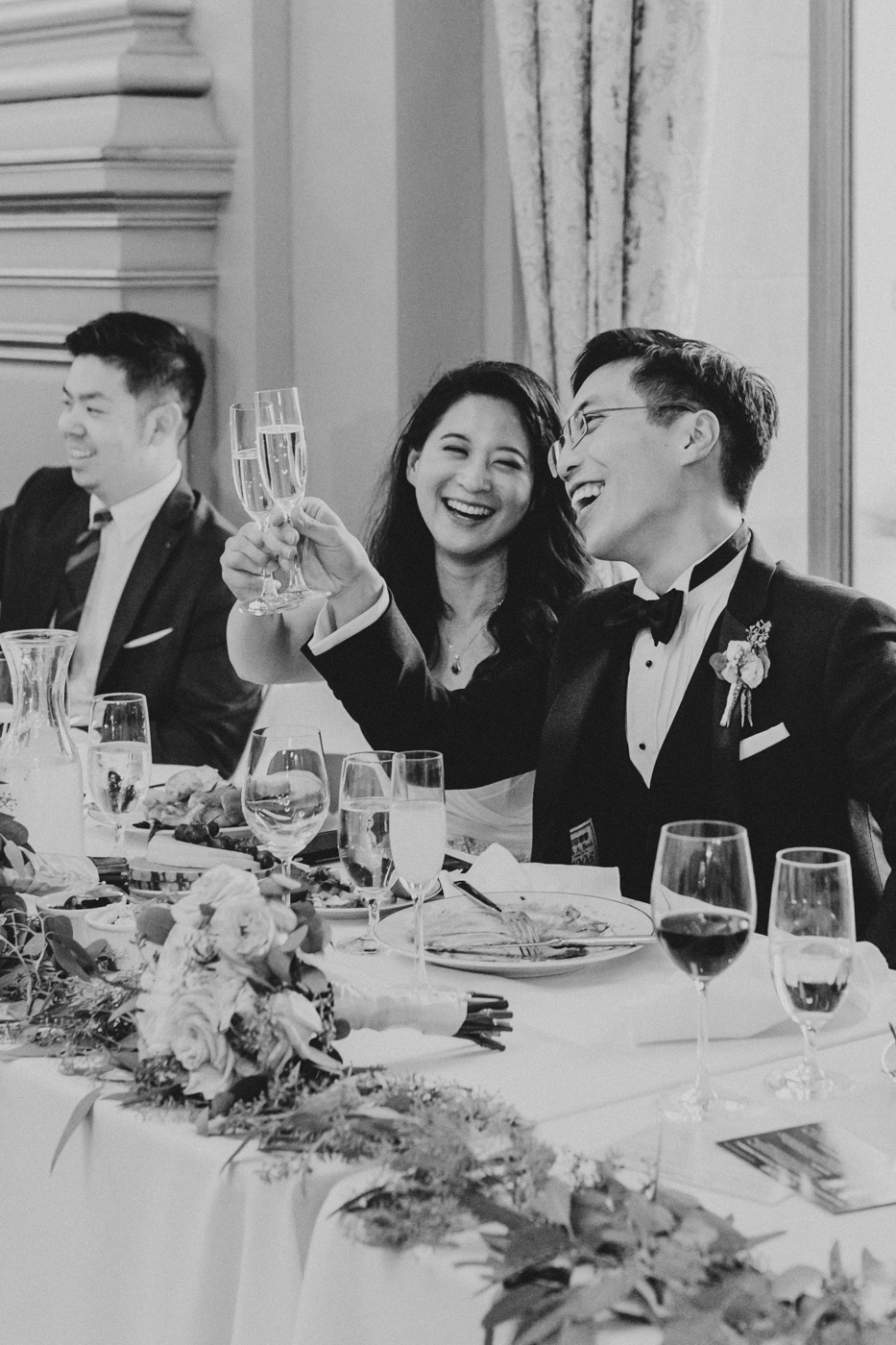 bride-and-groom-laughing-black-and-white