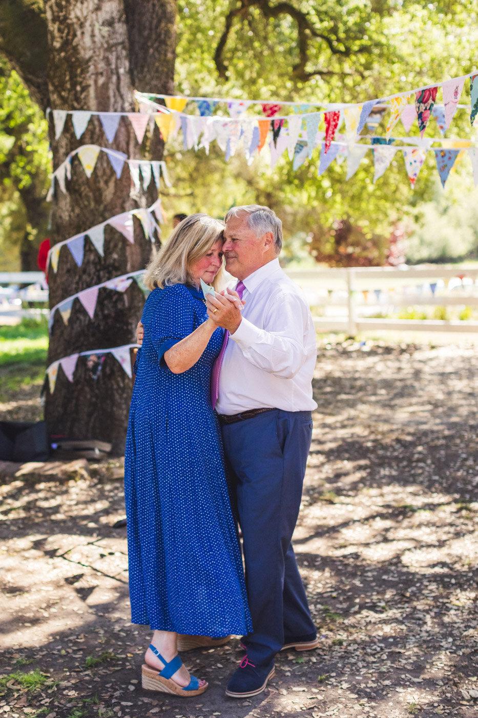 parents-of-groom-dancing