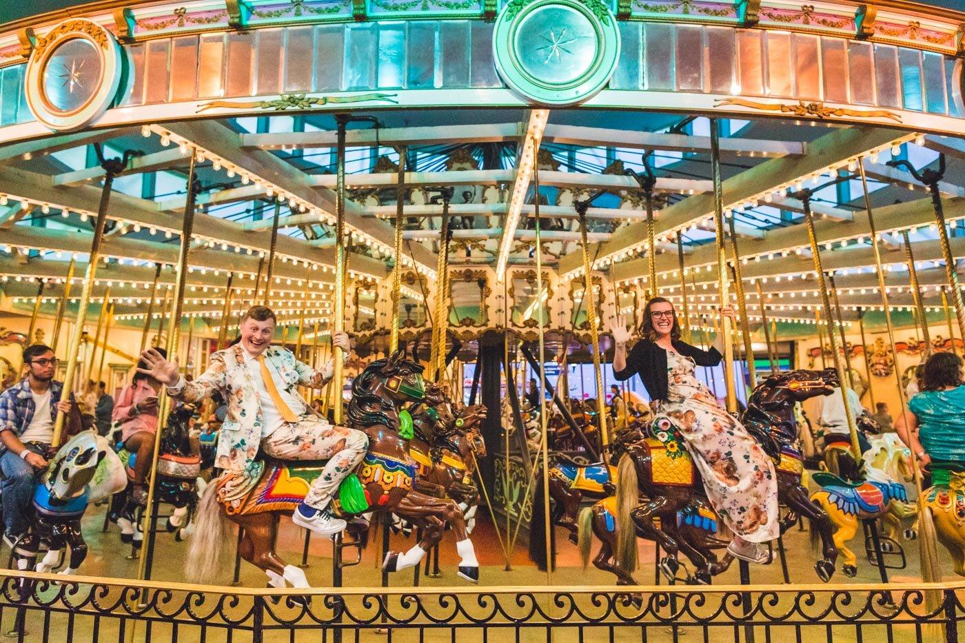 santa-cruz-boardwalk-carousel-wedding-photo
