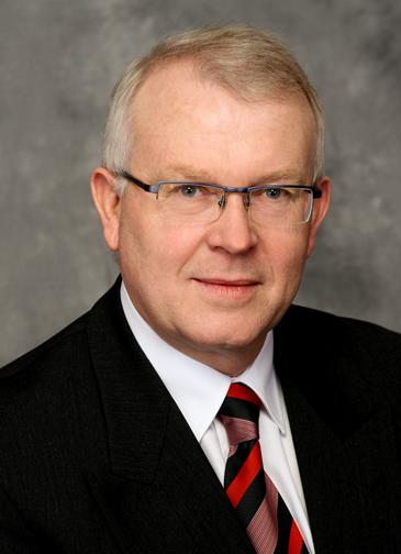Dr Helmut Thomas