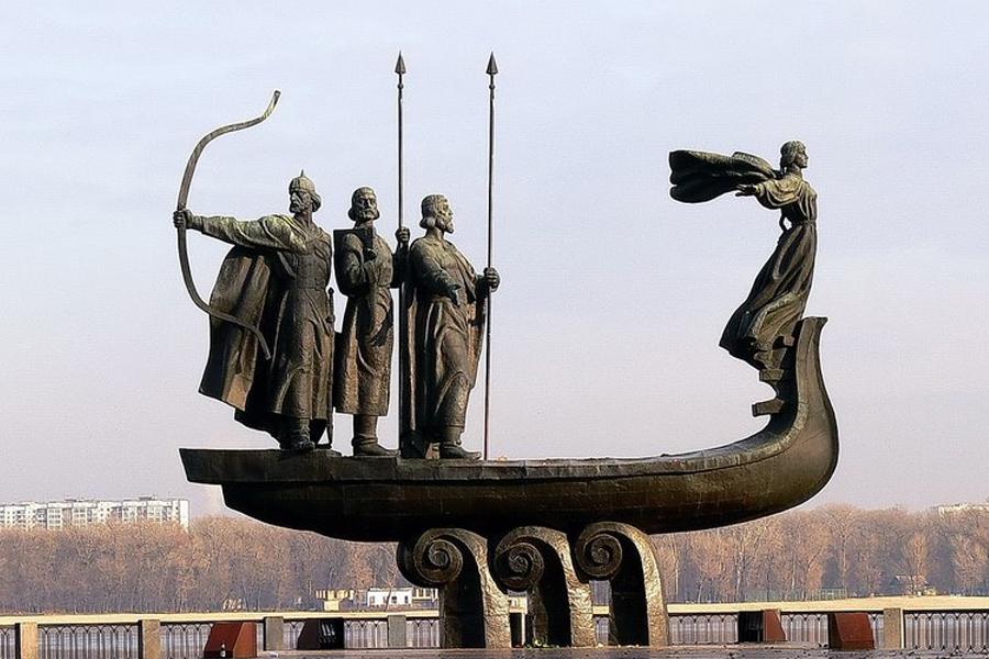 Pamyatnik-osnovatelyam-Kiev copy2.jpg