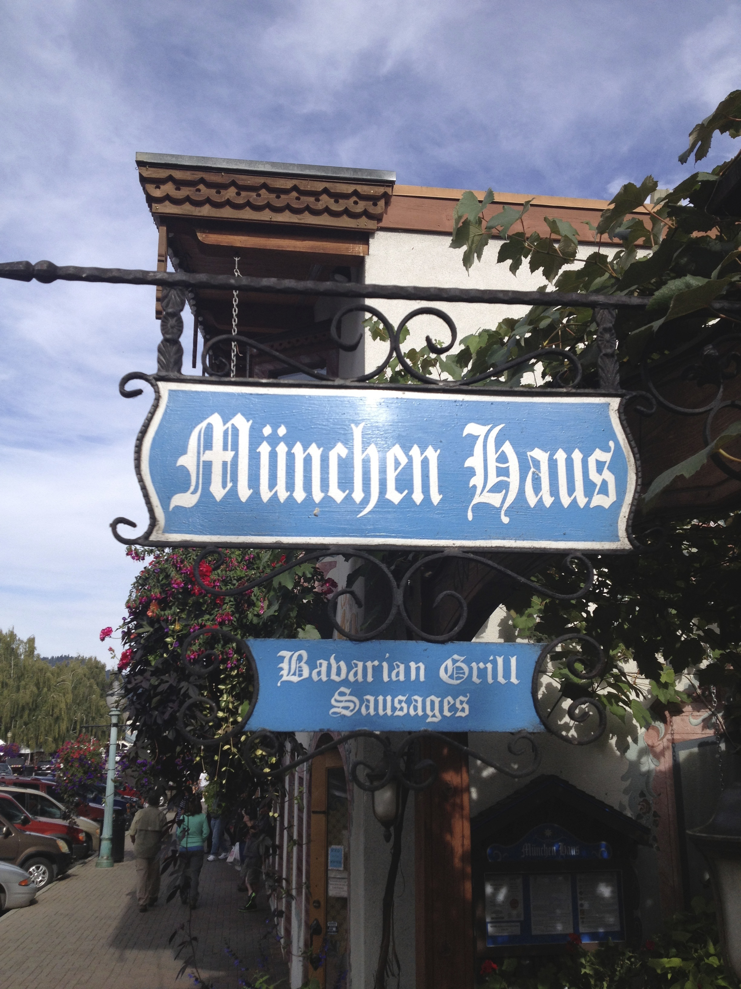 The bratwurst at the München Haus In Leavenworth are excellent.