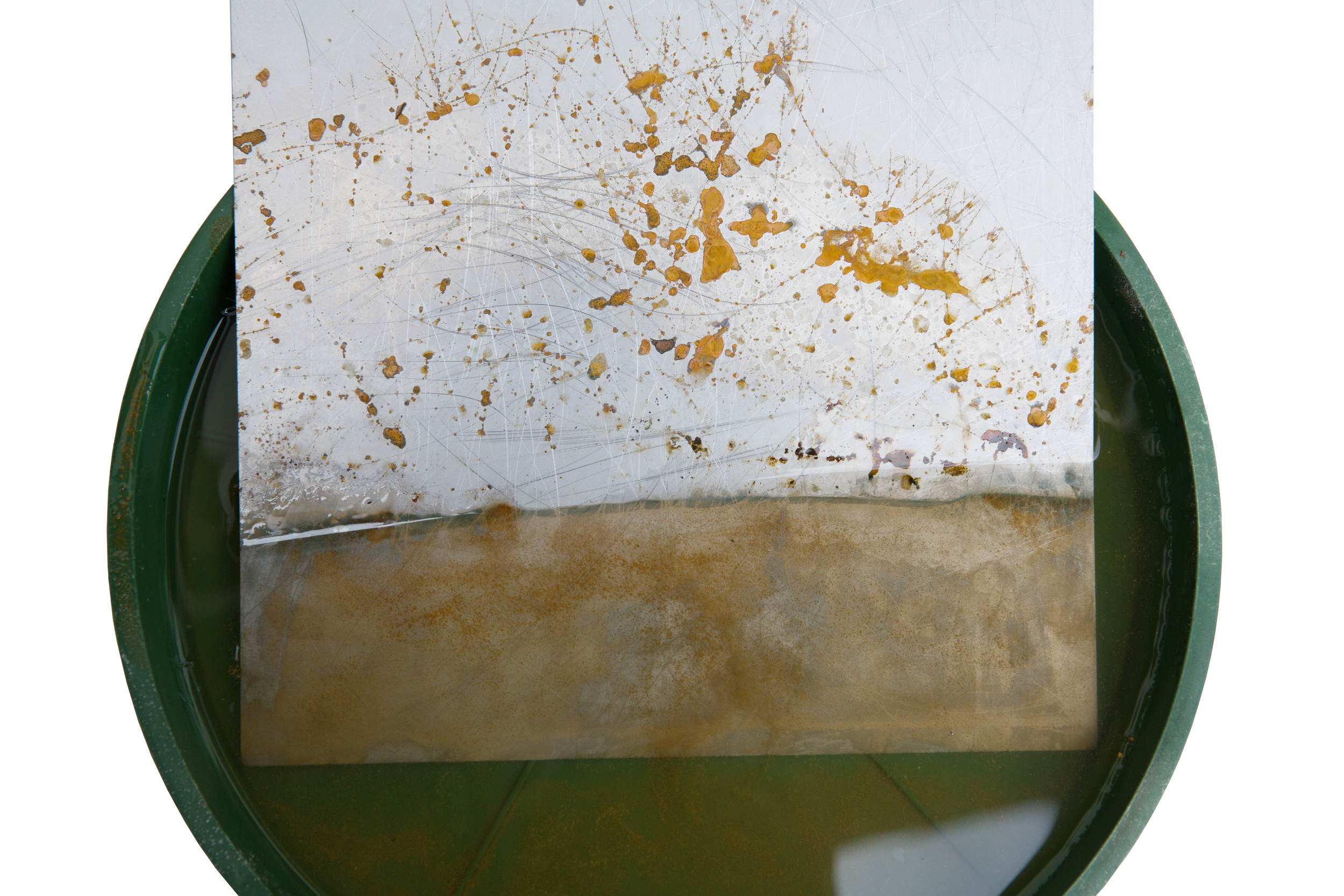 Unsere erste Test-Stahlplatte nach 24 Stunden im Salzwasser