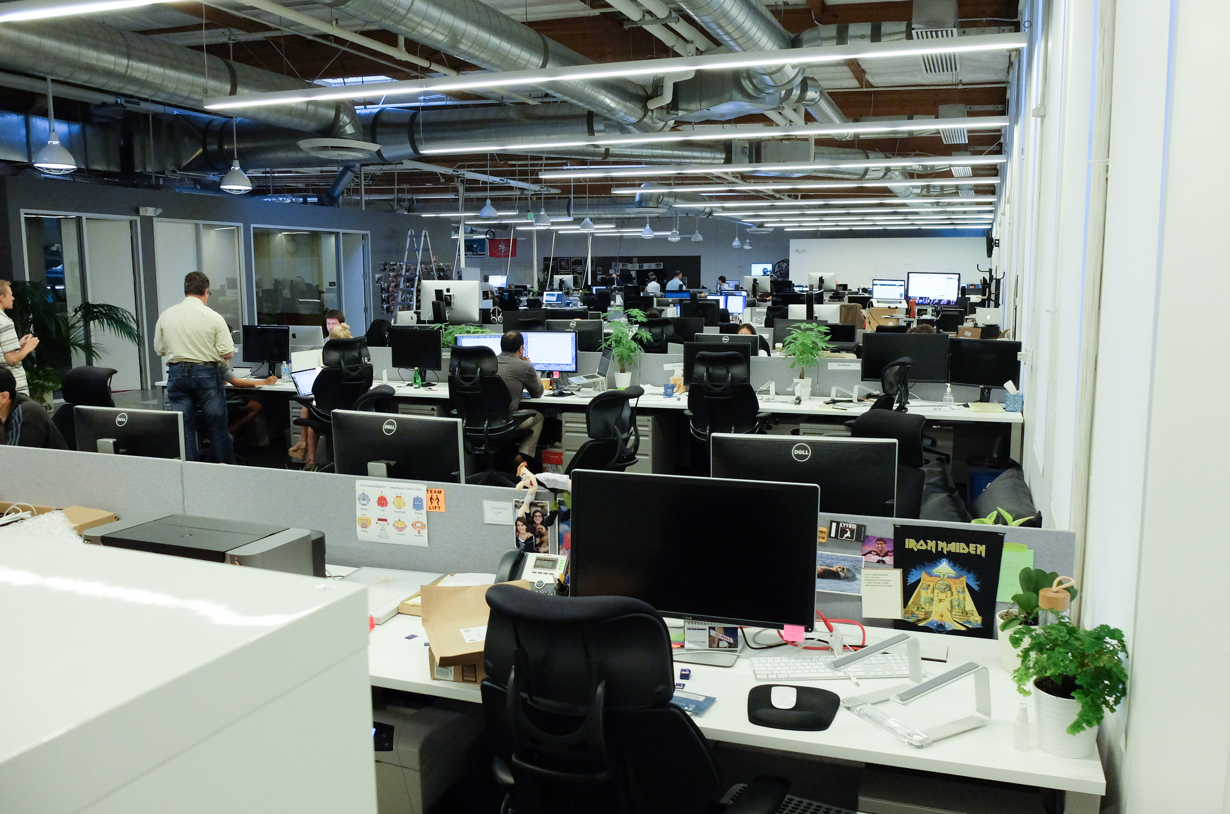 Das «Lytro-Brain» in Mountain View. Rund 120 Personen treiben die Lichtfeld-Technologie voran. In unmittelbarer Nachbarschaft befinden sich die grossen Brands Google und Microsoft. Ob Lytro auch einmal einen solchen Stellenwert erreichen wird? Die Zukunft wird's zeigen.
