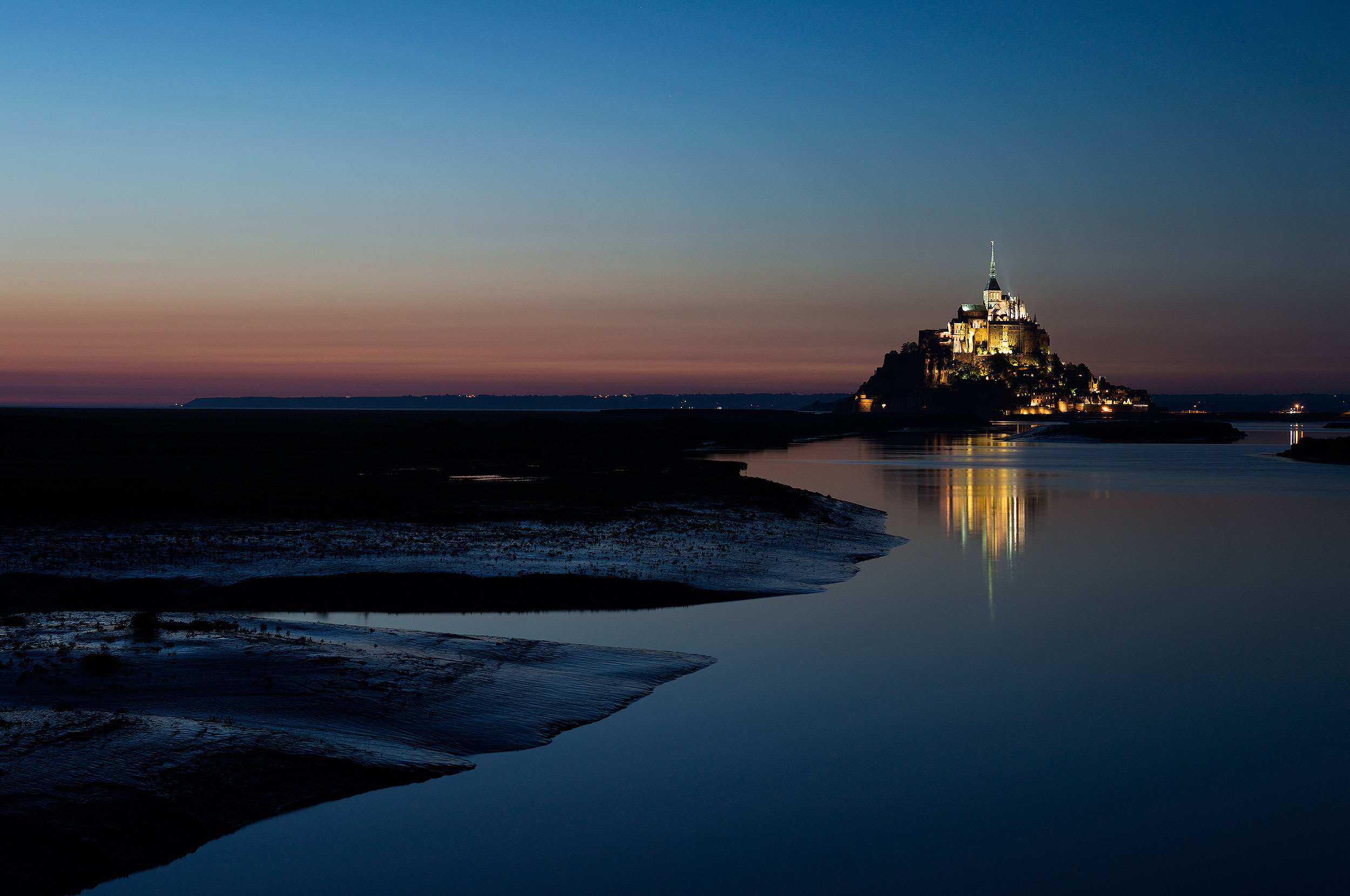 Mont St. Michel by Night Leica S, Summarit-S 70, 8.0 sec, f/8, ISO 160