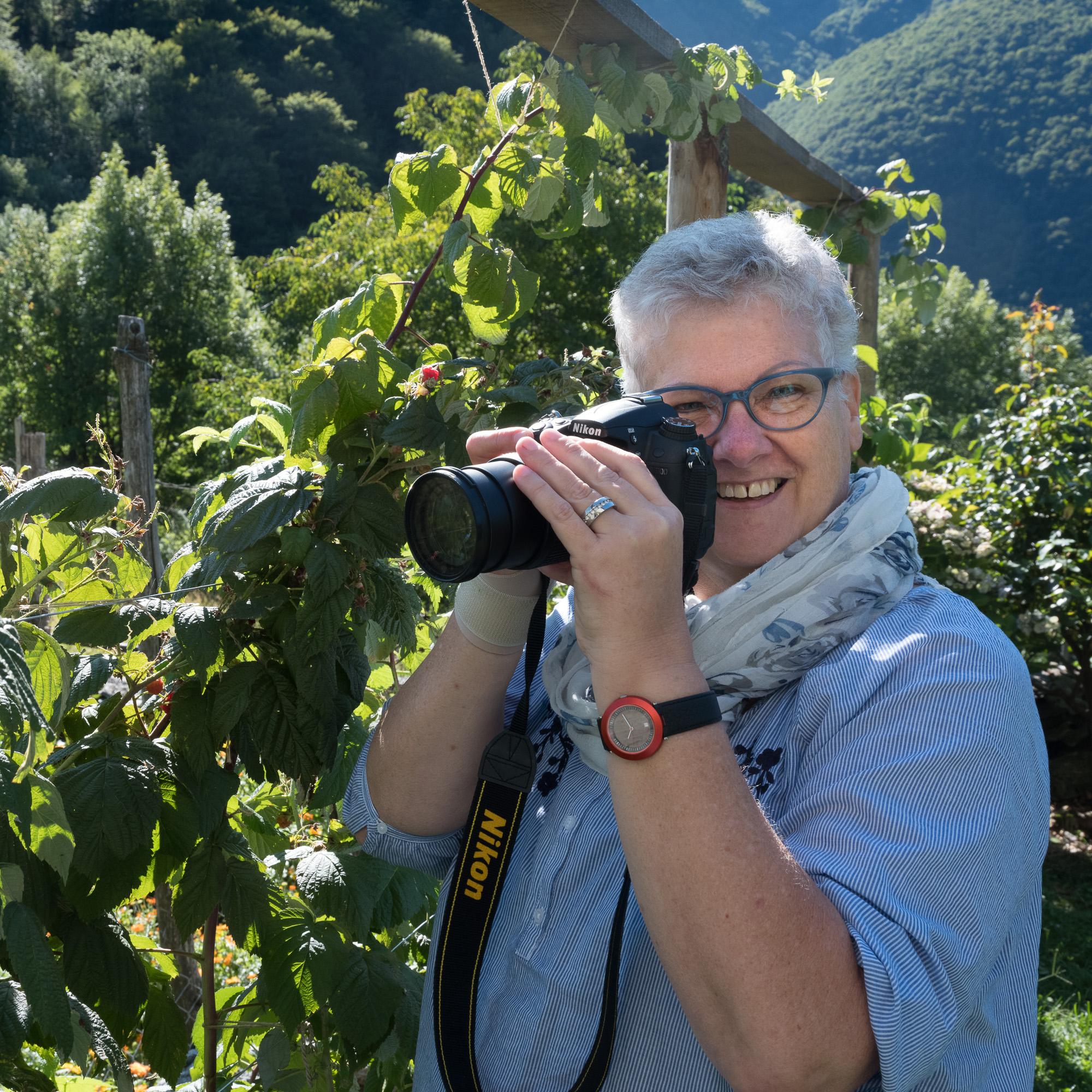 Elisabeth - Ich lernte mit Schwarzweiss-Tönen spielen, Farbakzente zu setzen und meine Kamera neu zu lieben.