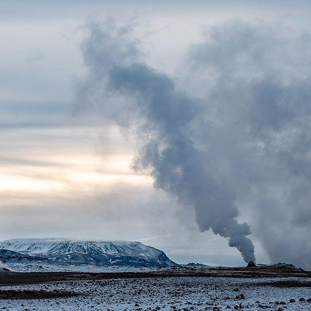 The colors of winter XI-B: #iceland #natureart #snow #winter #winterphotography #winterphotoshoot #naturephotography #leica #leicasl #leicaswitzerland #traveldeeper #artoftheday #landscape #smoke #volcano #triptichon
