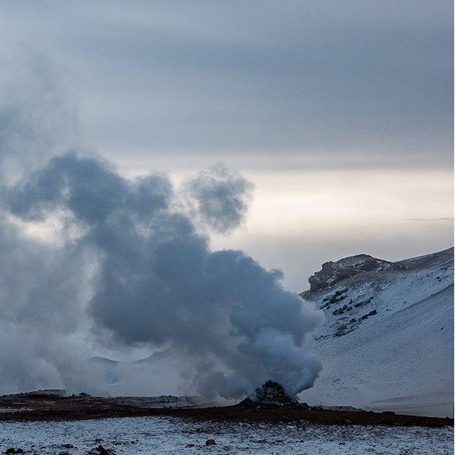 The colors of winter XI-A: #iceland #natureart #snow #winter #winterphotography #winterphotoshoot #naturephotography #leica #leicasl #leicaswitzerland #traveldeeper #artoftheday #landscape #smoke #volcano #triptichon
