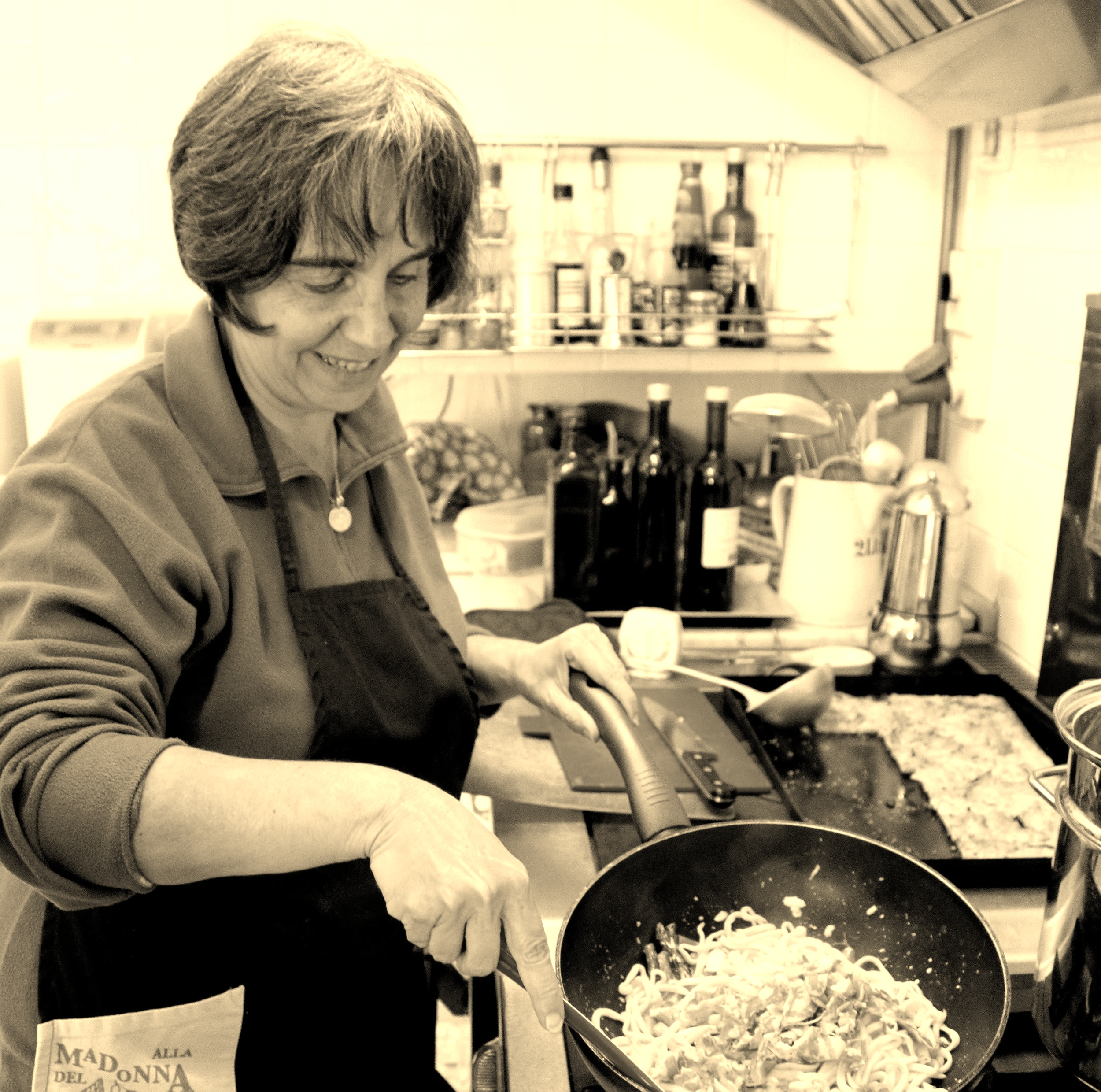 how to sauce pasta with Letizia.jpg