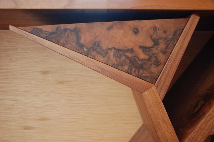 Tree inspired bed head bookshelve