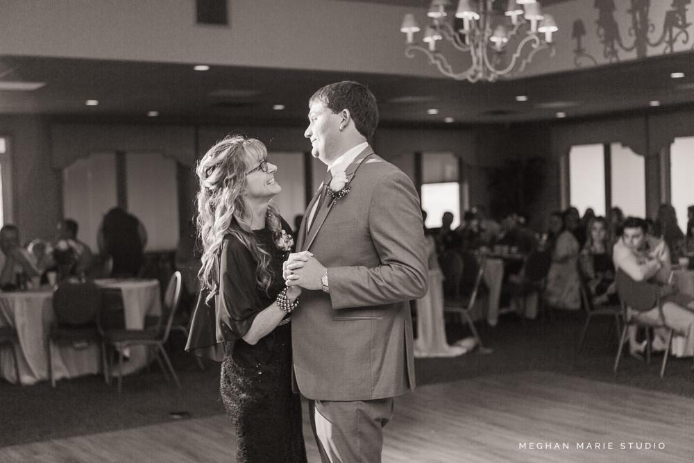 2019-ward-wedding-blog-MeghanMarieStudio-5907.jpg