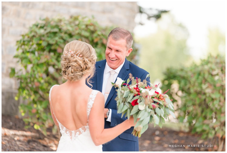 meghan-marie-studio-rustic-european-wedding-photography-first-look-daddy-daughter_0275.jpg
