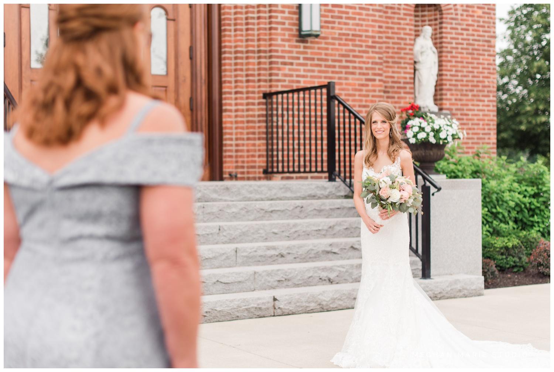 meghan marie studio simple elegant classic catholic wedding_0165.jpg