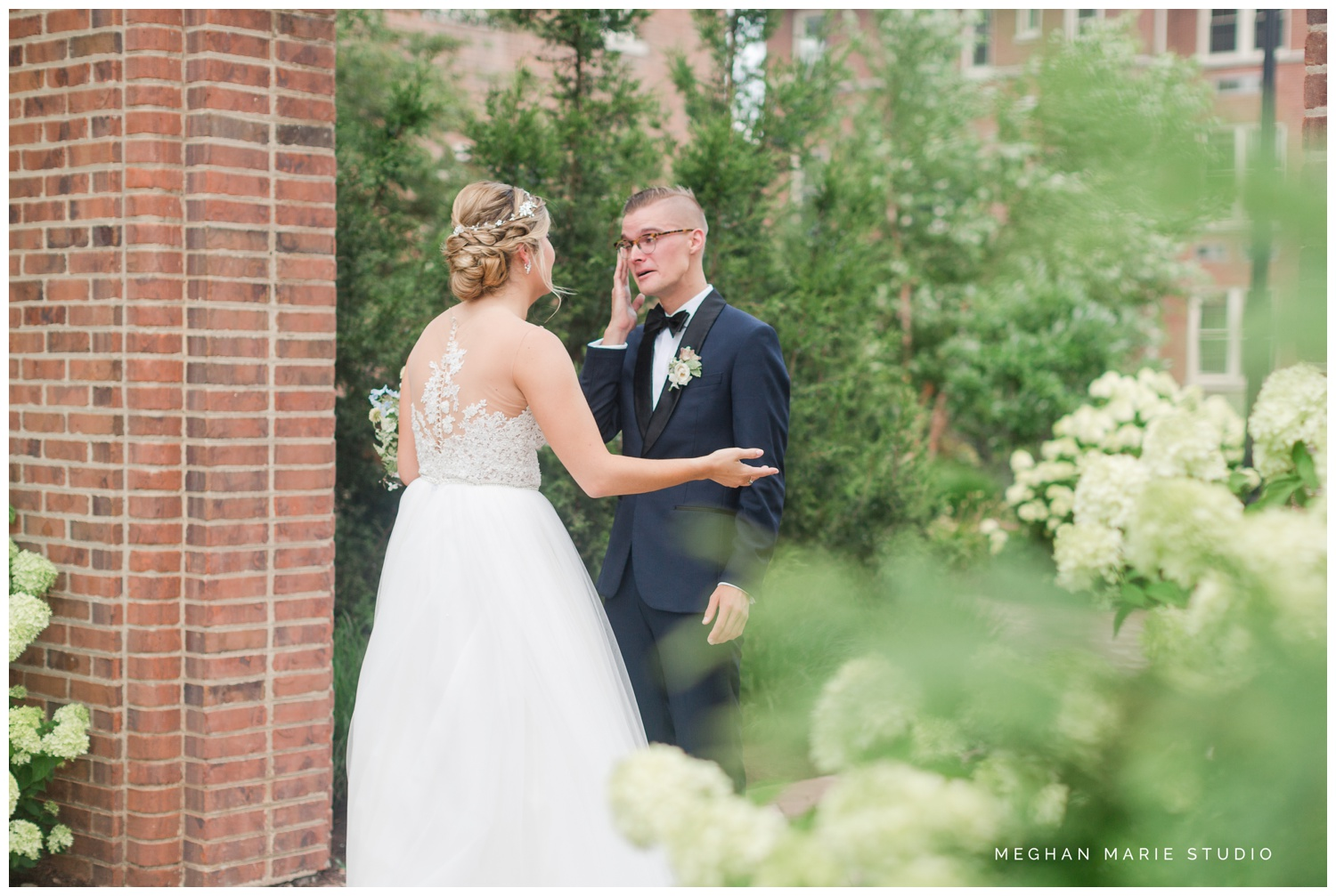 meghan marie studio university of dayton cathedral wedding with romantic earth tone donuts and decor steam plant ohio wedding_0283.jpg