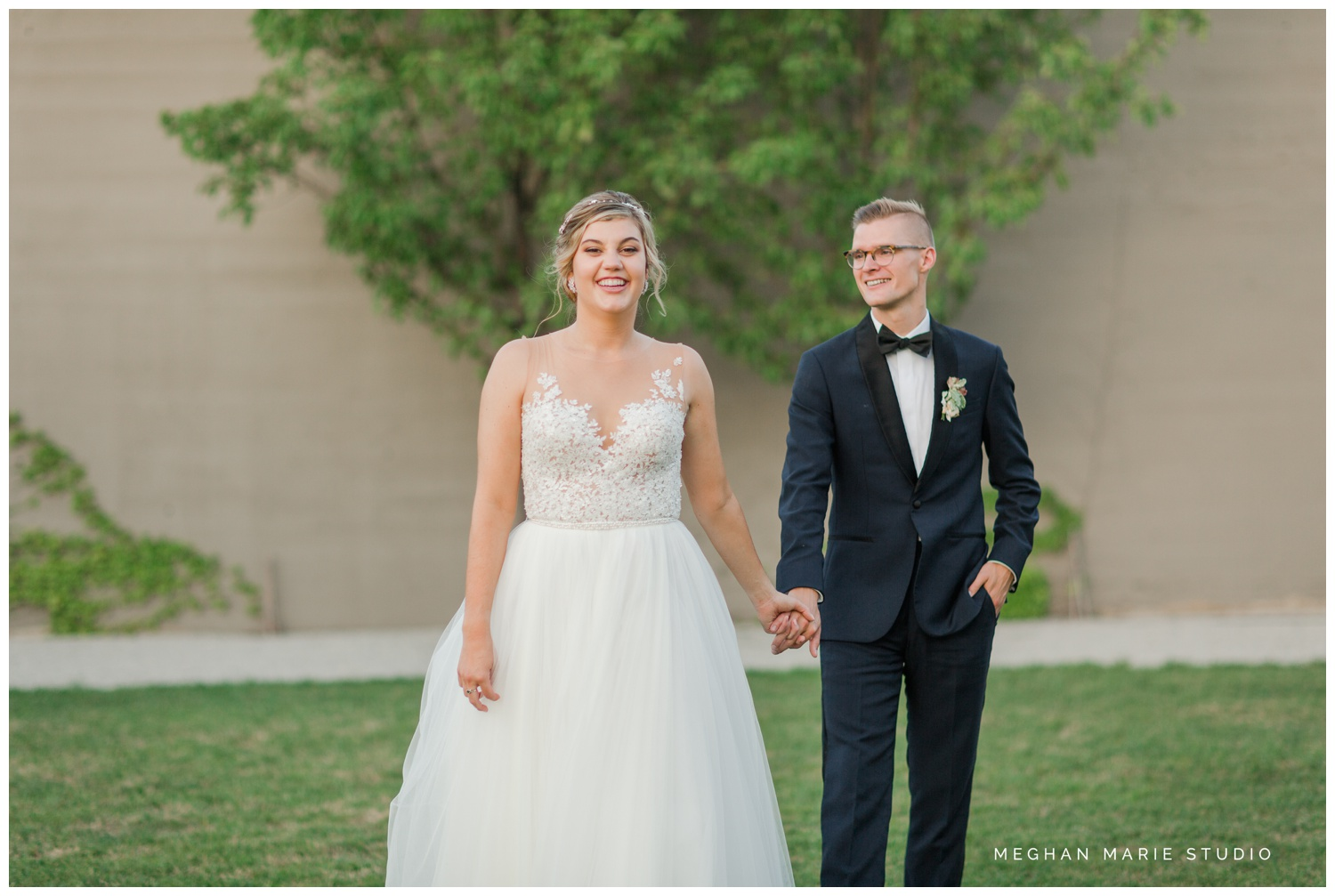 meghan marie studio university of dayton cathedral wedding with romantic earth tone donuts and decor steam plant ohio wedding_0329.jpg