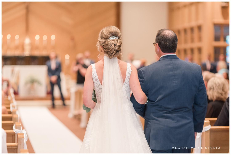 meghan marie studio ohio wedding kyle ahrens msu michigan state basketball spartans navy blush rustic barn soft warm bright bubbles catholic church_0373.jpg