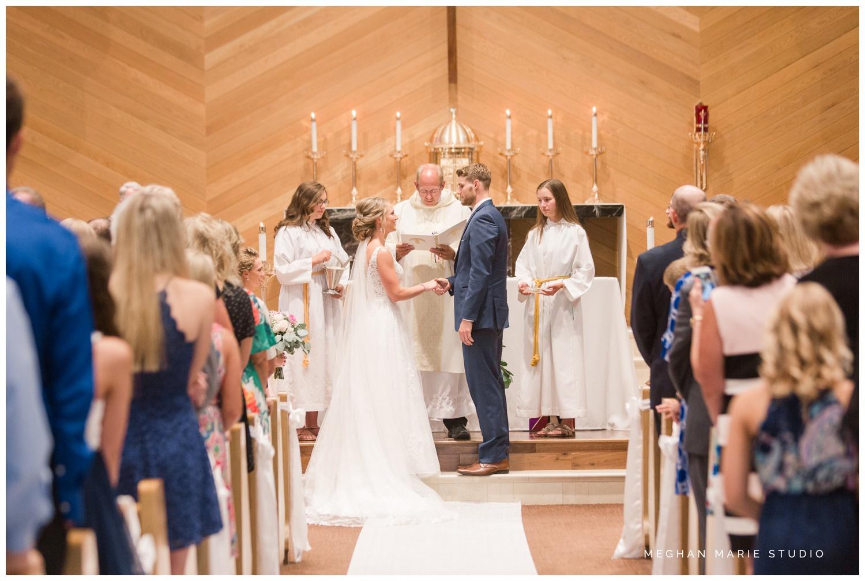 meghan marie studio ohio wedding kyle ahrens msu michigan state basketball spartans navy blush rustic barn soft warm bright bubbles catholic church_0376.jpg