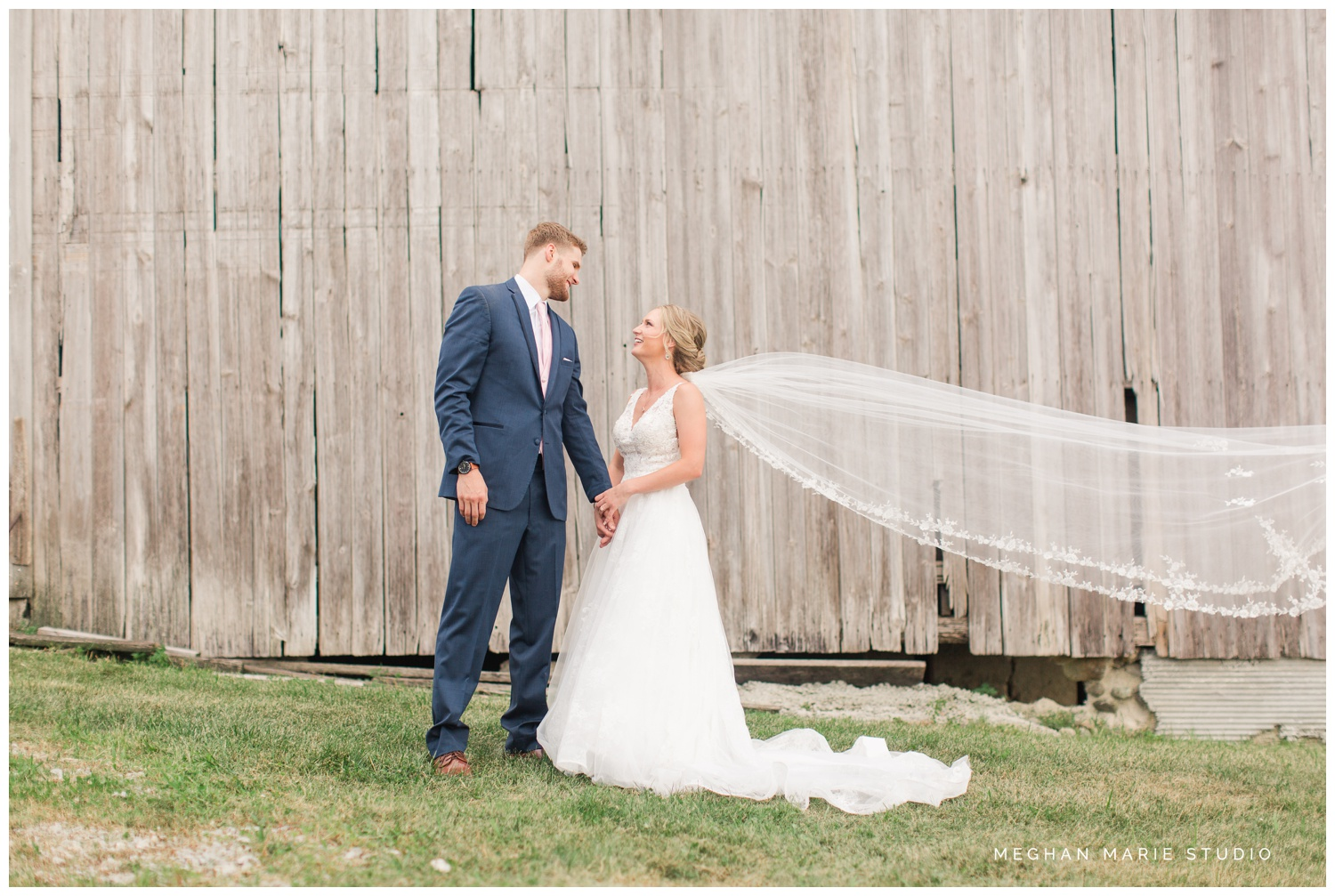 meghan marie studio ohio wedding kyle ahrens msu michigan state basketball spartans navy blush rustic barn soft warm bright bubbles catholic church_0387.jpg
