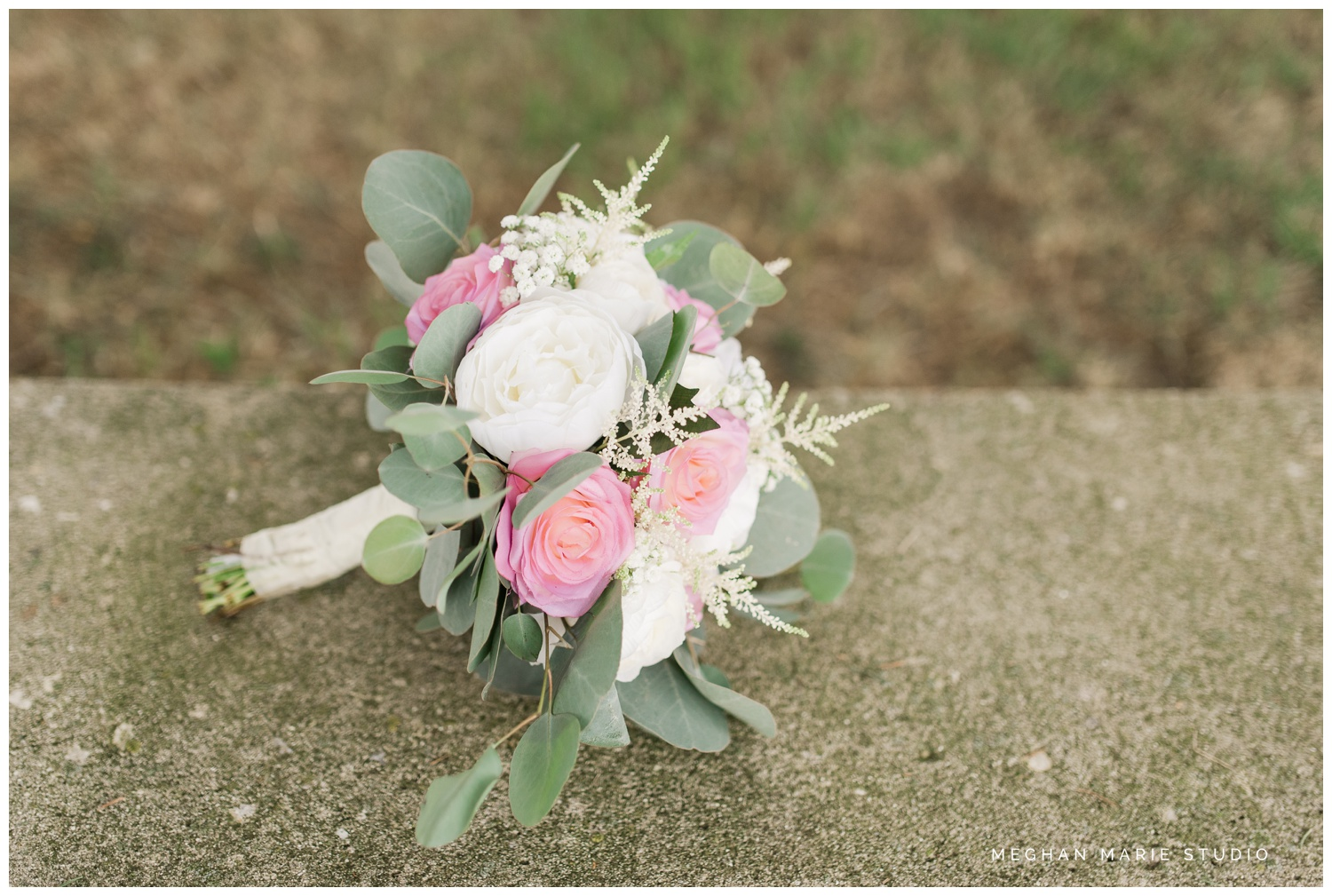 meghan marie studio wedding photographer ohio troy dayton columbus small town rustic rural farm cows vintage mauves dusty rose pinks whites ivorys grays f1 sound paper lanterns pearls_0578.jpg