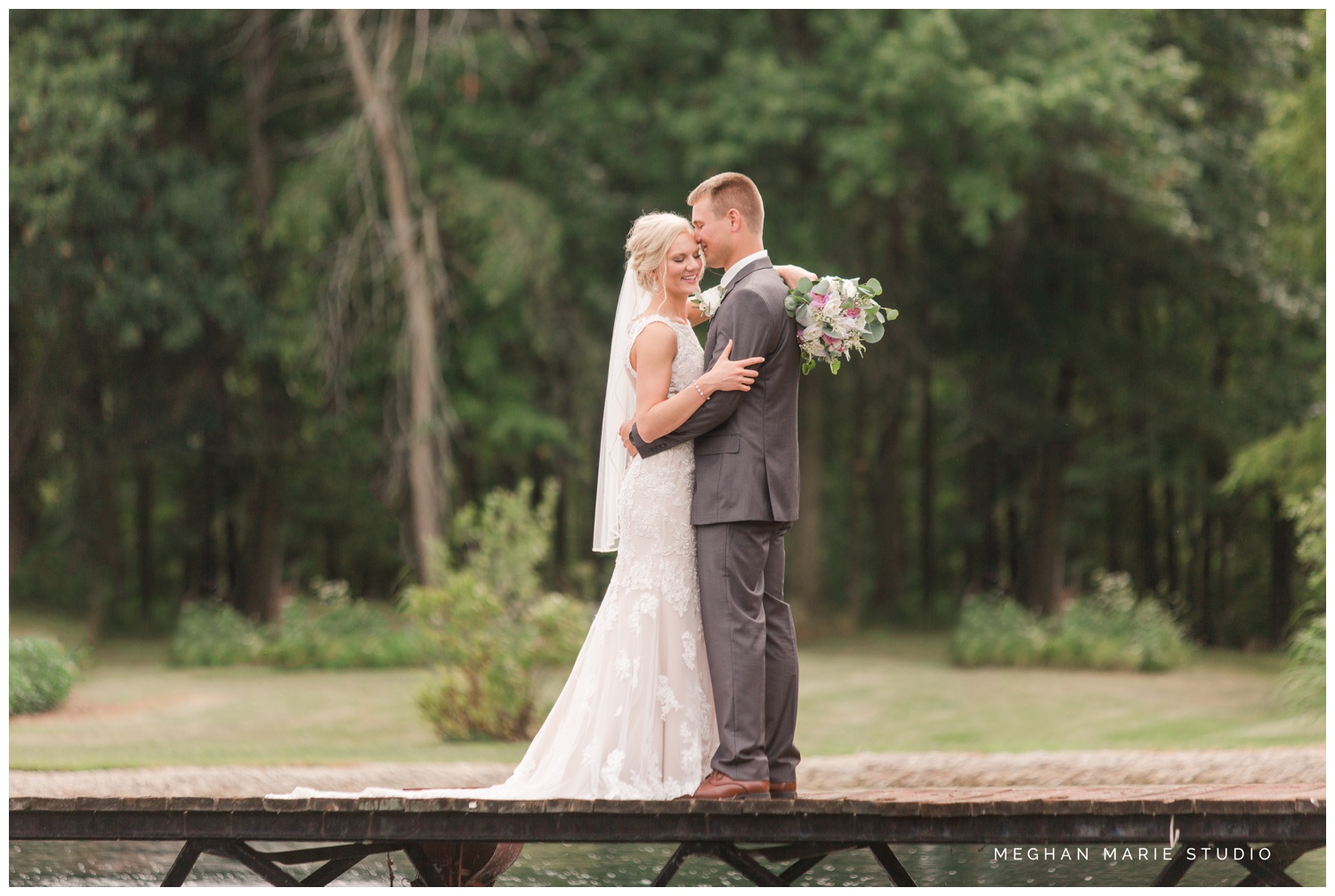 meghan marie studio wedding photographer ohio troy dayton columbus small town rustic rural farm cows vintage mauves dusty rose pinks whites ivorys grays f1 sound paper lanterns pearls_0636.jpg