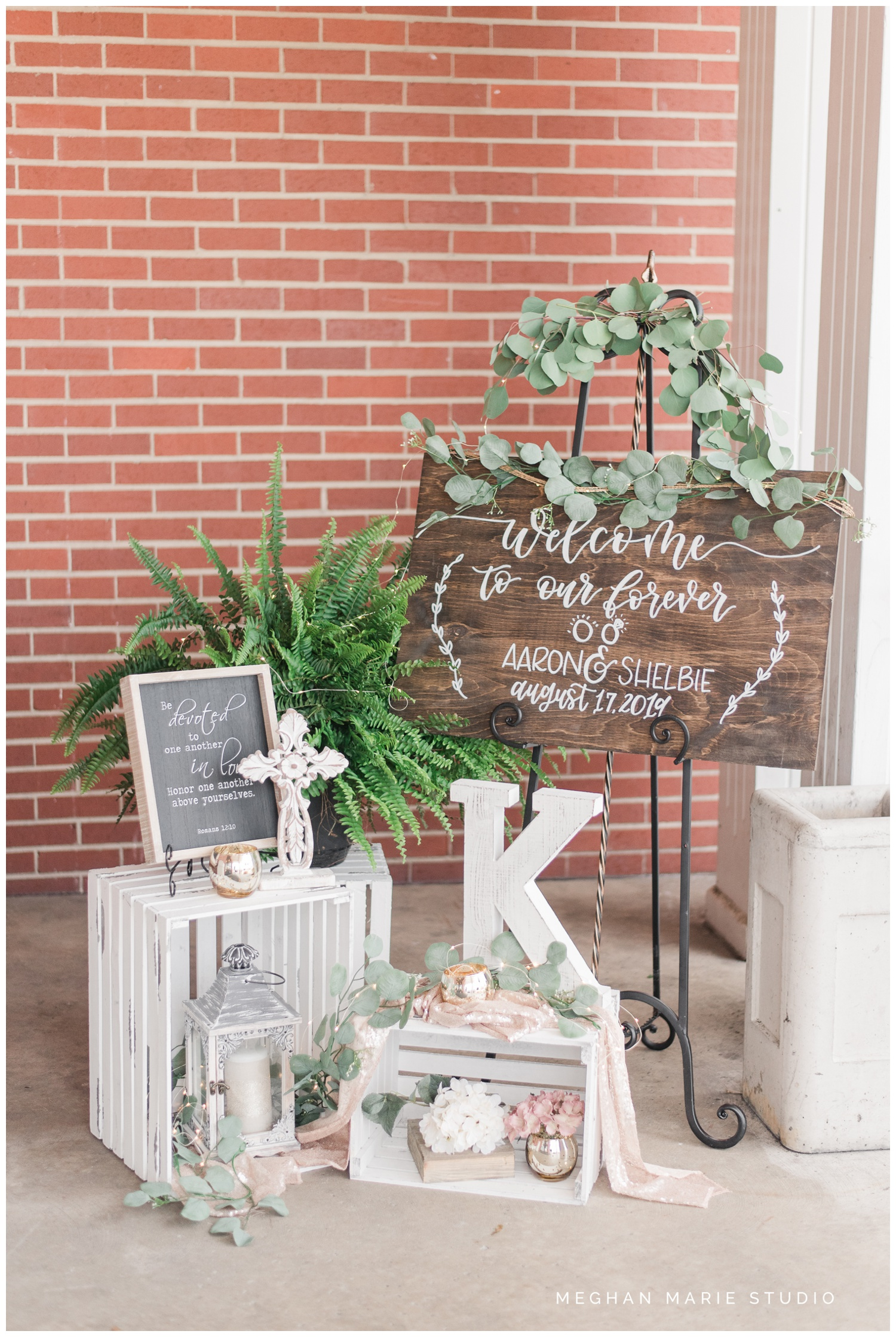 meghan marie studio wedding photographer ohio troy dayton columbus small town rustic rural farm cows vintage mauves dusty rose pinks whites ivorys grays f1 sound paper lanterns pearls_0647.jpg