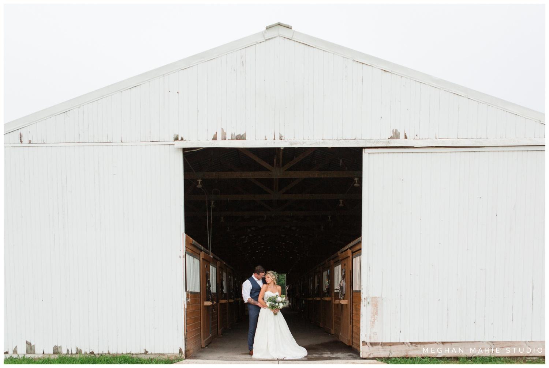 meghan marie studio wedding photographer ohio dayton cincinnati columbus outdoor rural vintage rustic DIY wedding country chic pinterest bridal gown beauty_0685.jpg