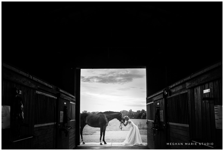 meghan marie studio wedding photographer ohio dayton cincinnati columbus outdoor rural vintage rustic DIY wedding country chic pinterest bridal gown beauty_0689.jpg
