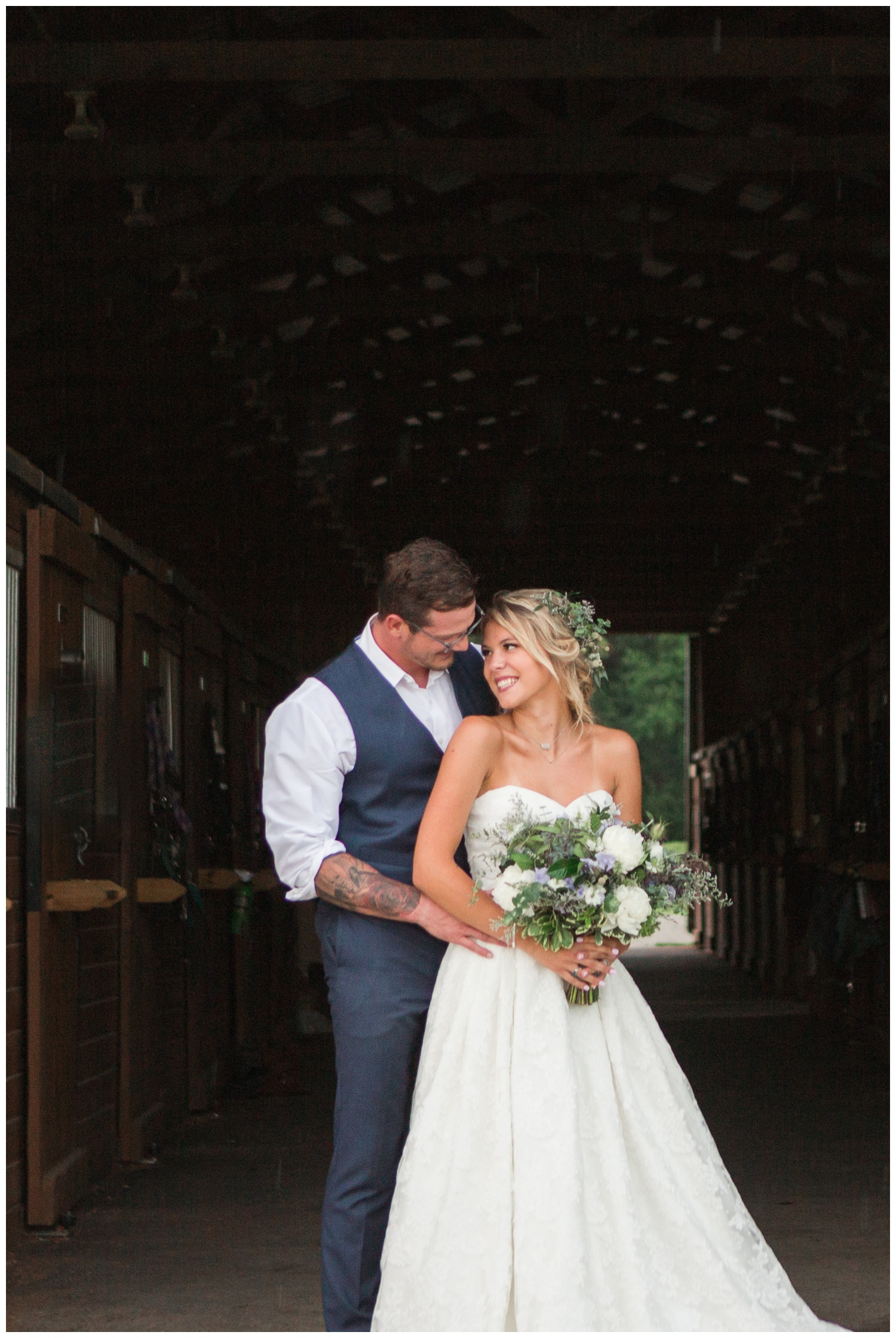 meghan marie studio wedding photographer ohio dayton cincinnati columbus outdoor rural vintage rustic DIY wedding country chic pinterest bridal gown beauty_0688.jpg