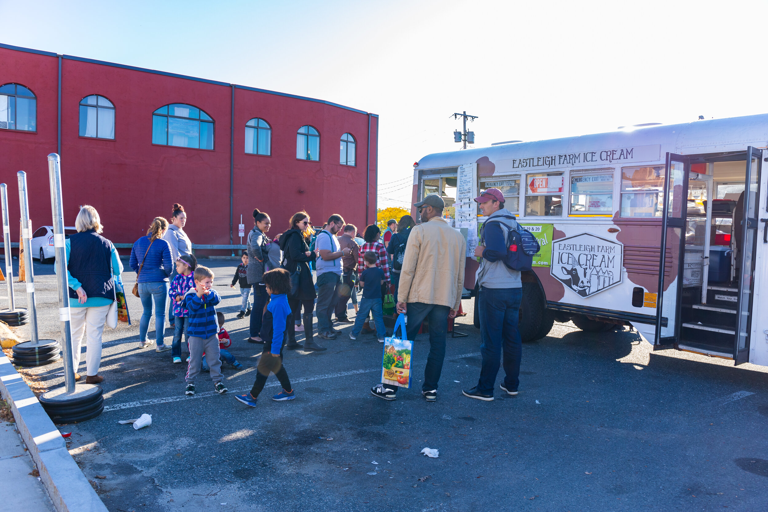 A little Eastleigh Farm Moo Bus ice cream frenzy in Burkis Square! Thanks to the DFI Volunteers who helped clean-up afterward! Photo credit Itala Keller.