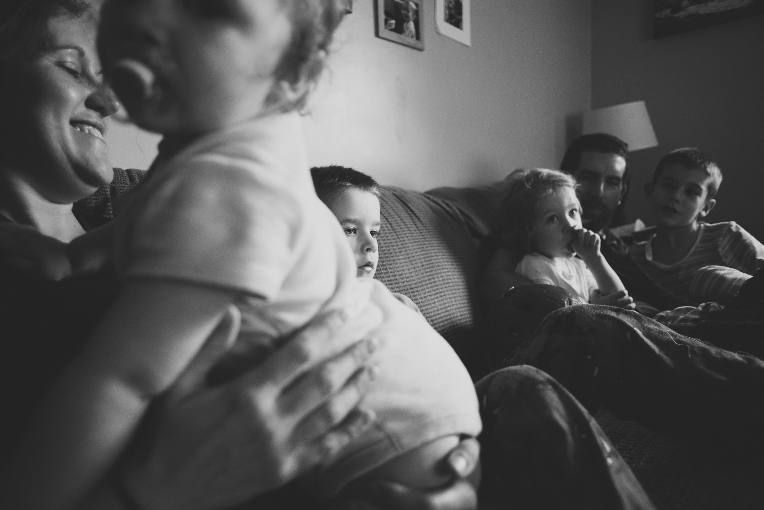 dan-jess-family-on-sofa-7.jpg