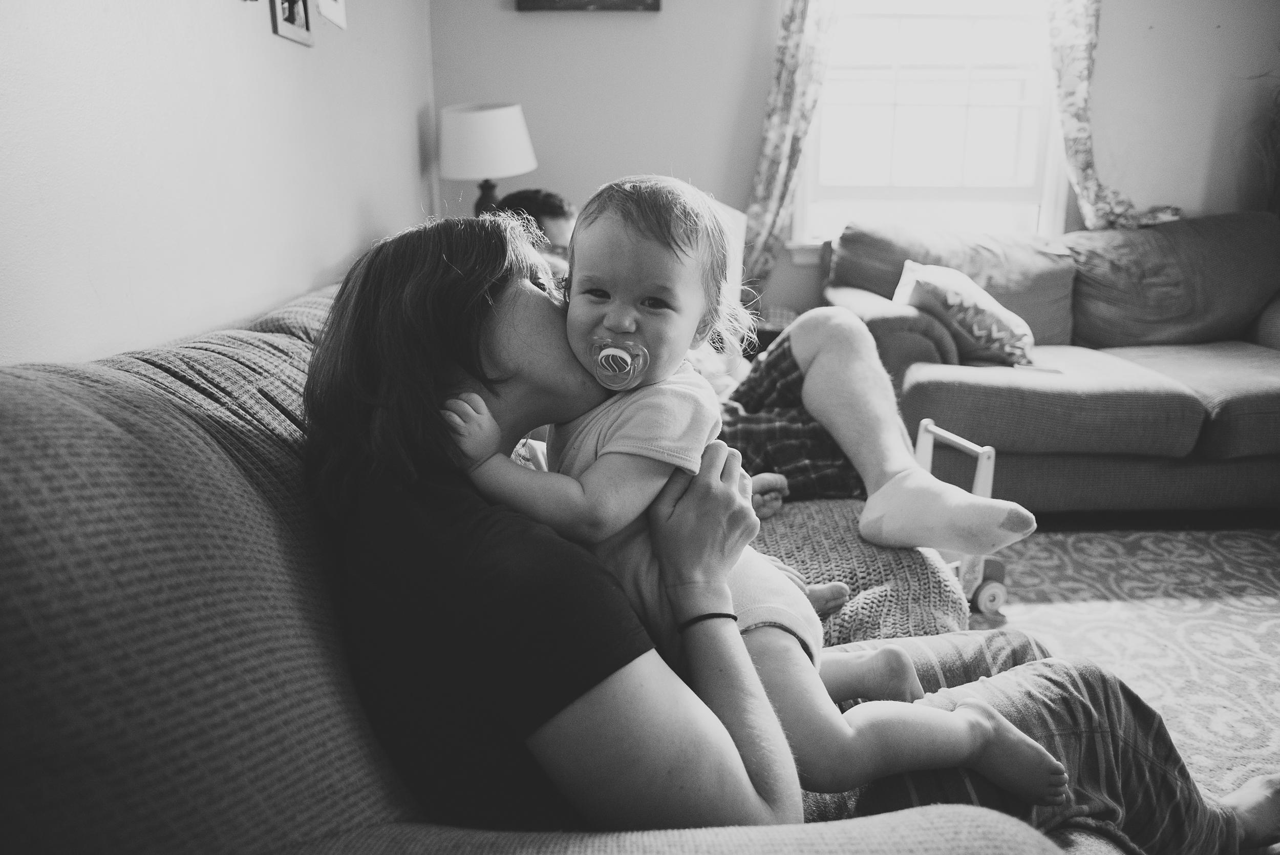 dan-jess-family-on-sofa-5.jpg