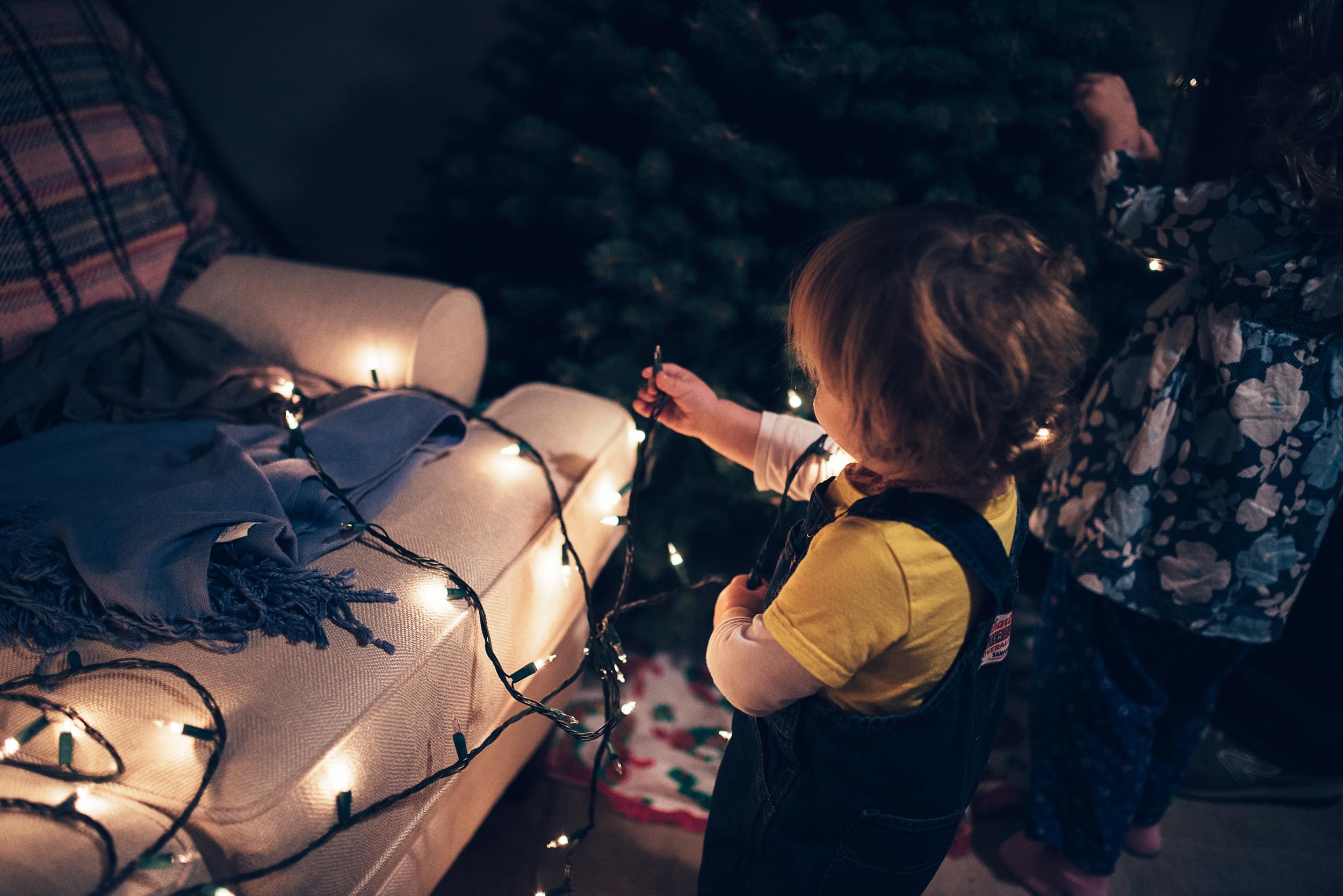 christmas-tree-decorating-3.jpg