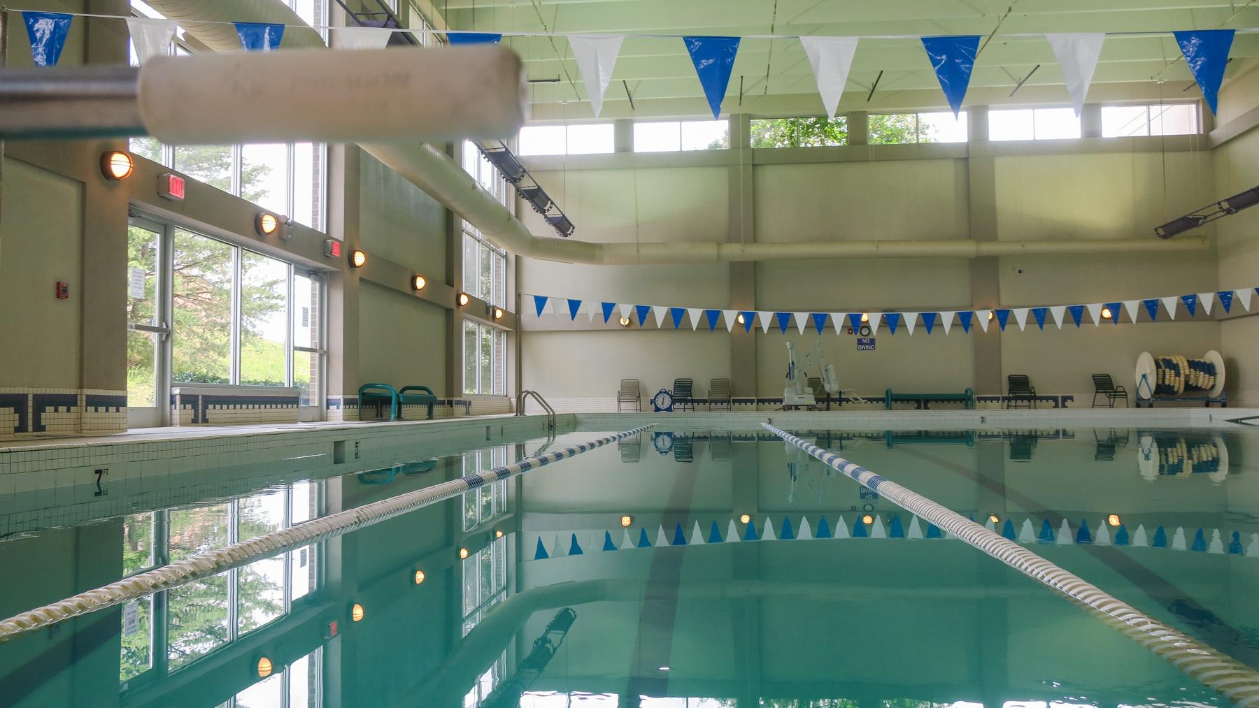 Tennova Fitness Pool -4.jpg