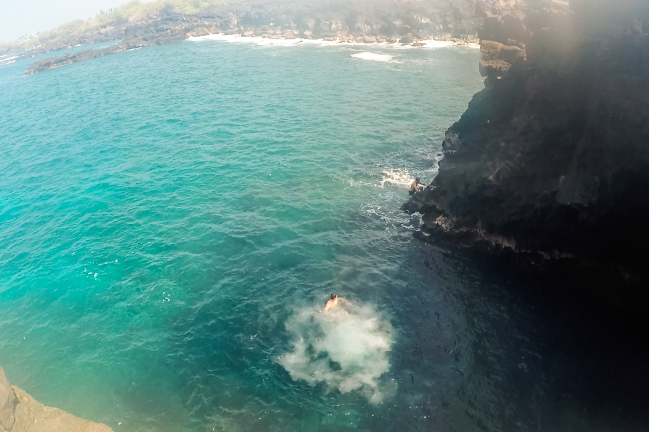 End-of-the-World-Cliff-Jumping_-Big-Island-Kona-Hawaii-Travel_Bolandia-Blog-58-2-1.jpg