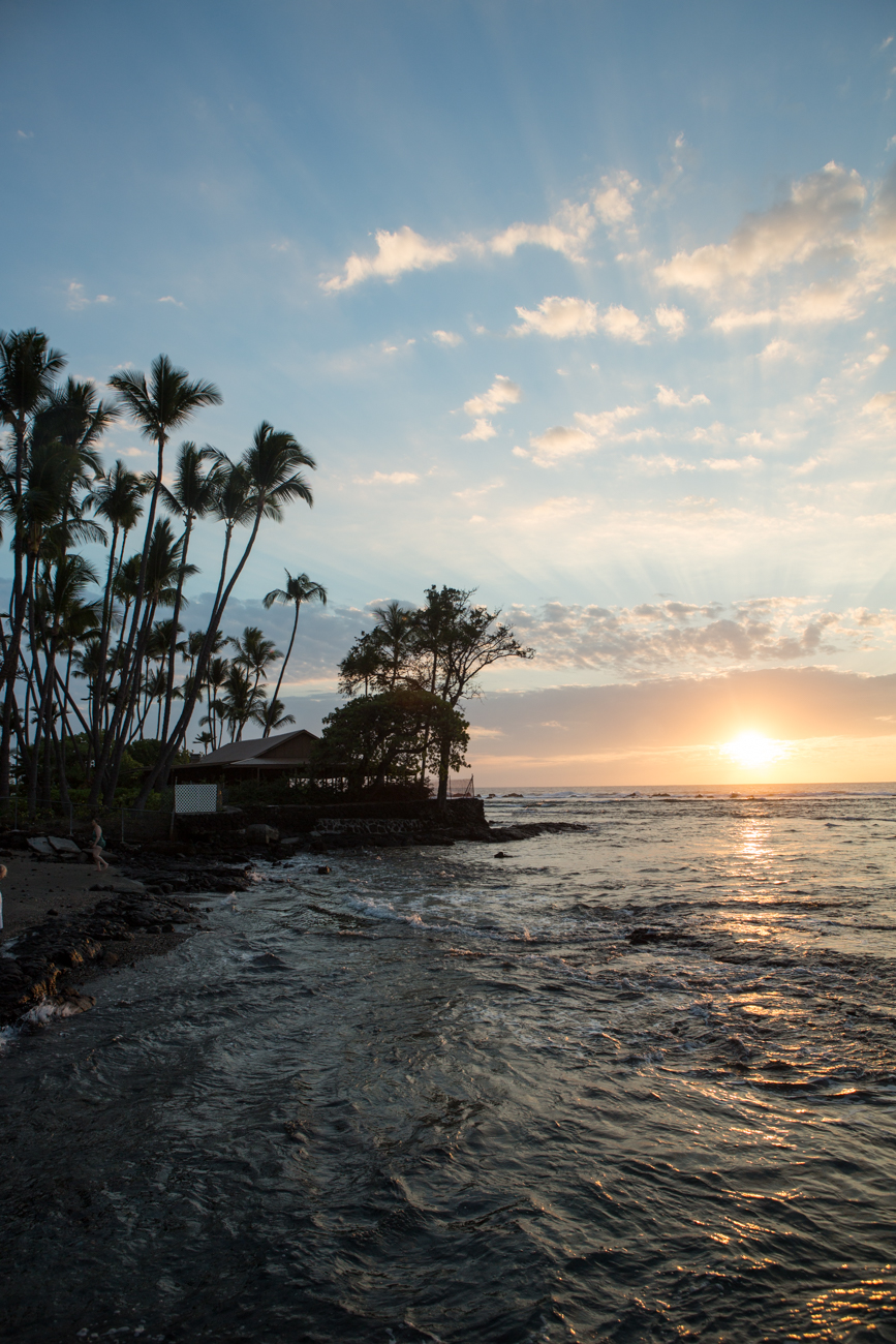 Hahaluu-Sunset_-Big-Island-Kona-Hawaii-Travel_Bolandia-Blog-9379.jpg