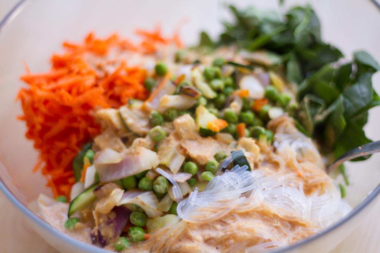 Bolandia Blogger Vancouver - Spicy Peanut Veggie Noodle Bowl-7736