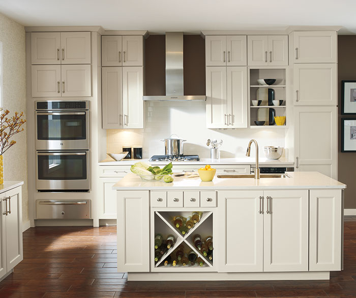 off_white_cabinets_in_casual_kitchen.jpg
