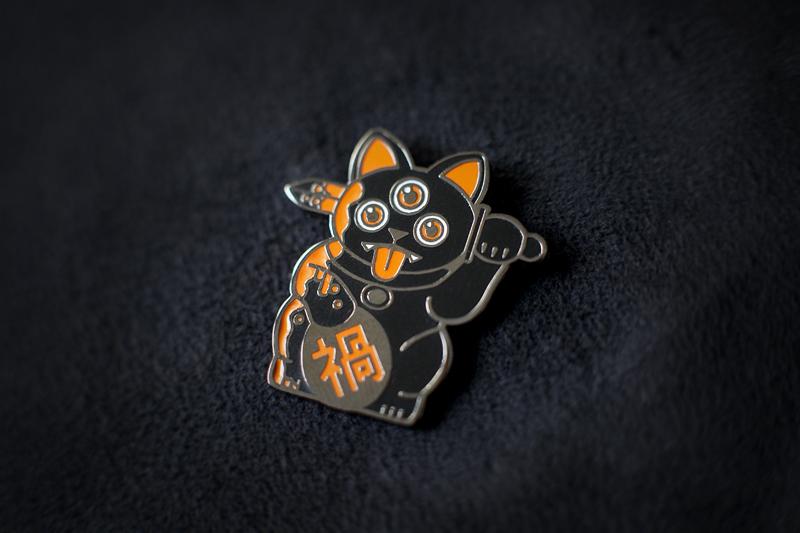 blk_orange_catpin1.jpg